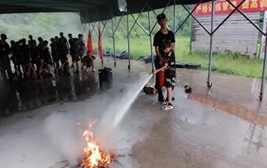 夏令营消防演练